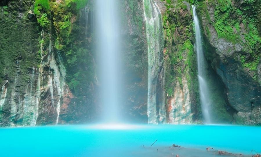 Air terjun Dwi Warna wisata air terjun terindah di Indonesia