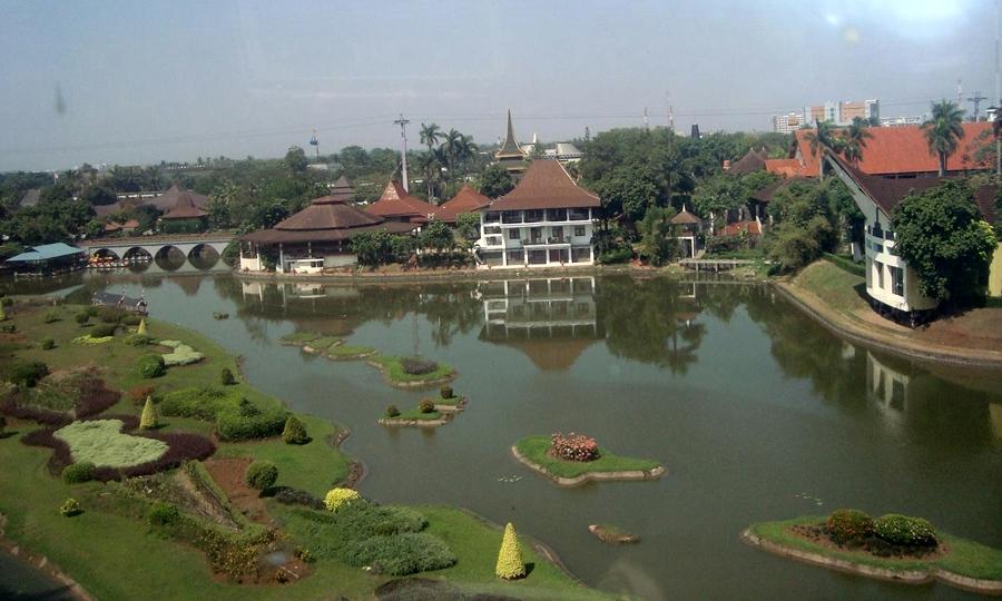 Replika Indonesia di Taman Mini Indonesia Indah