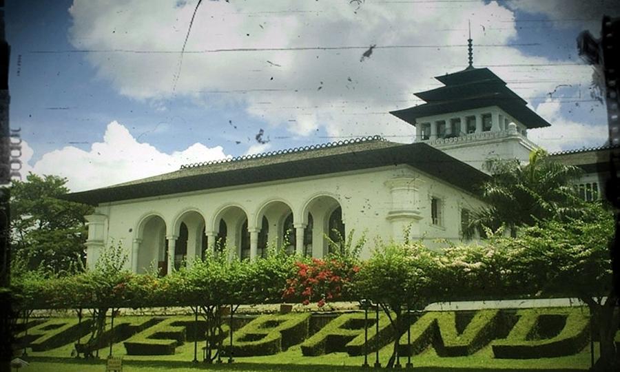 Gedung Sate Bandung tempat bersejarah di Indonesia