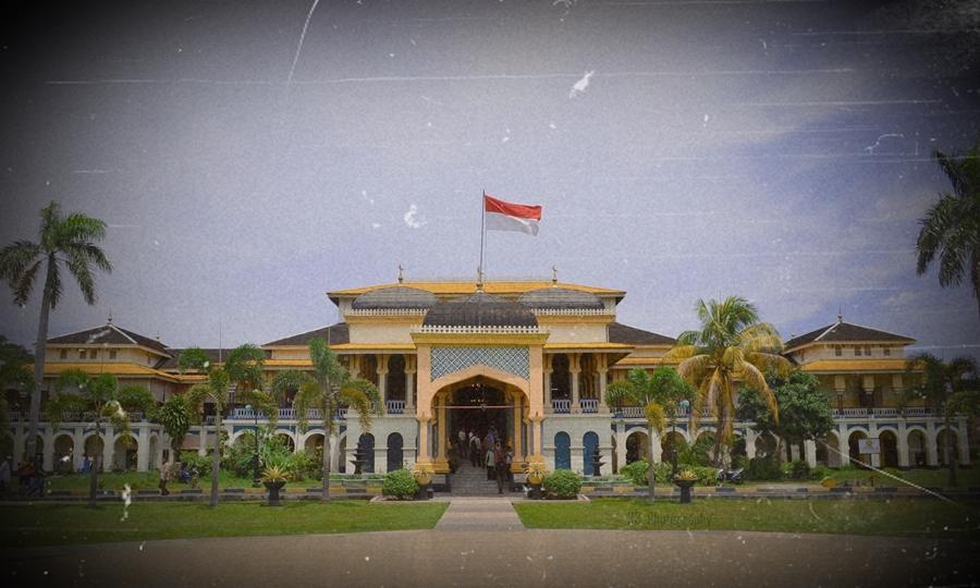 Istana Maimun tempat bersejarah di Indonesia.