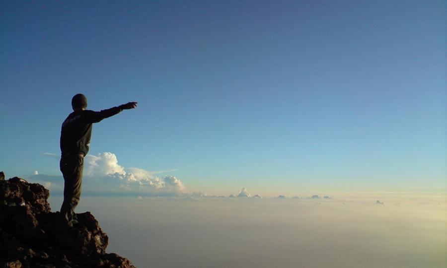 Gunung Slamet wisata gunung terindah di Indonesia.