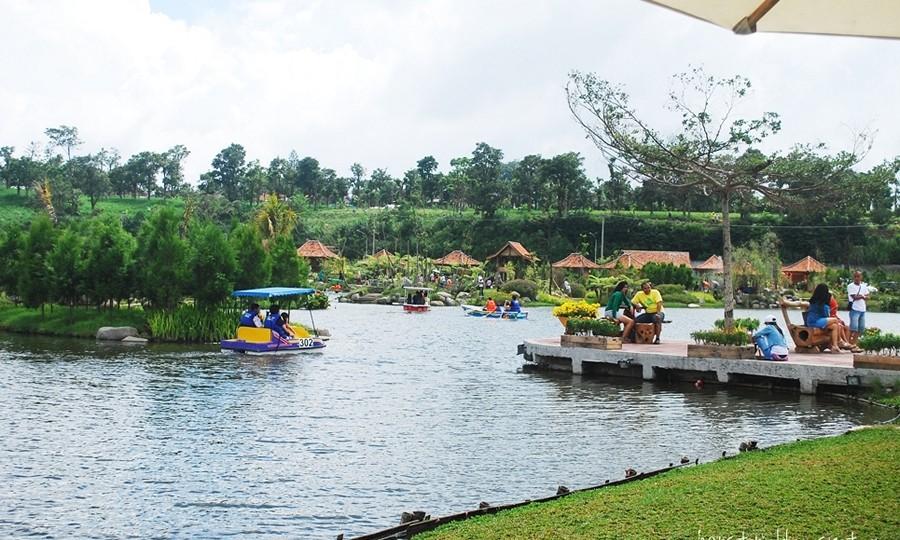 Floating Market Lembang Tempat Bersantai