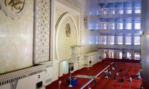 Ruang Shaf Depan Masjid IStiqlal