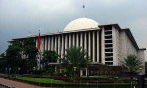Bendera Masjid Istiqlal Indonesia
