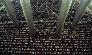 Rapat Jamaah Shalat di Masjid Istiqlal
