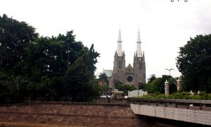 Gereja Katedral di Seberang Masjid Istiqlal