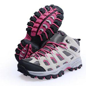 Sepatu Gunung Wanita feminim