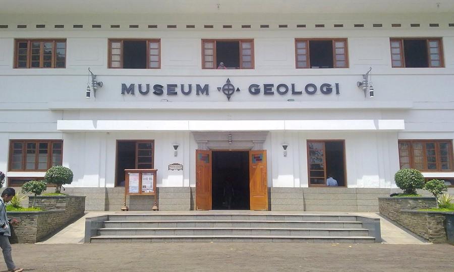Wisata di Bandung Museum Geologi