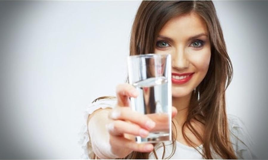 Sehatkah Diet Dengan Minum Air Saja?