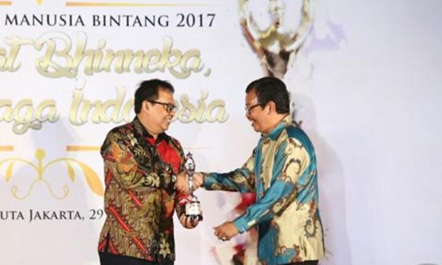 Yossi Irianto personality award