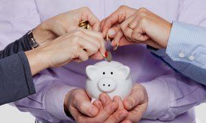 membiasakan diri rajin menabung