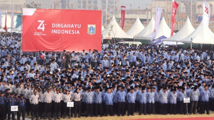 Peserta Upacara HUT RI ke-74 DKI lebih dari 9000