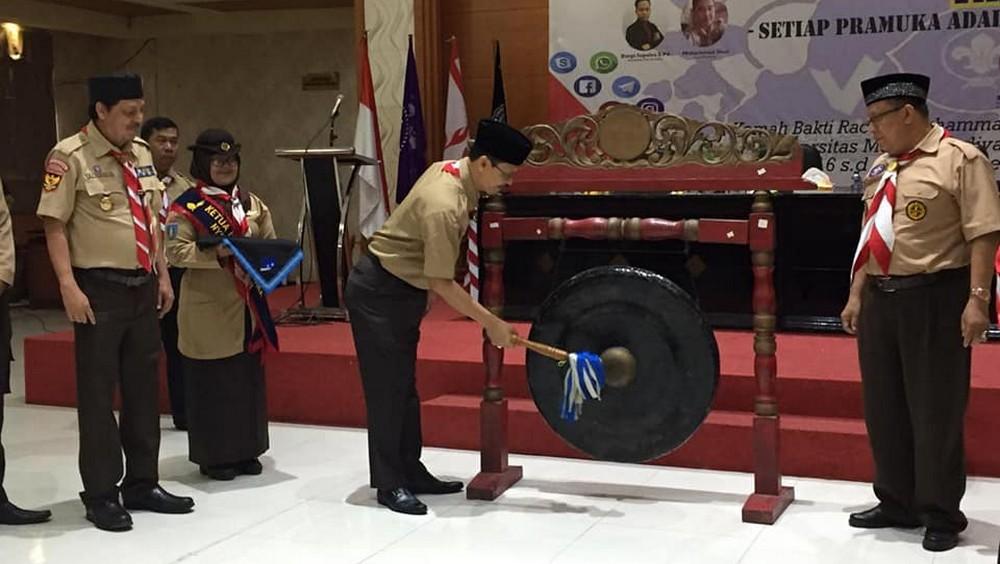 Gong pembuka seminar dan talkshow