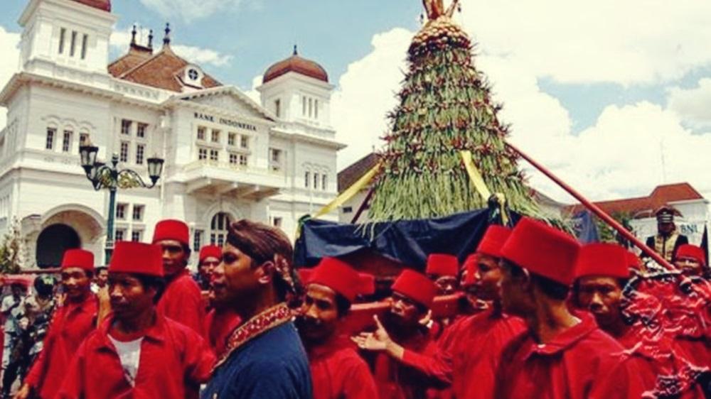 grebeg maulud peringatan maulid nabi di yogyakarta